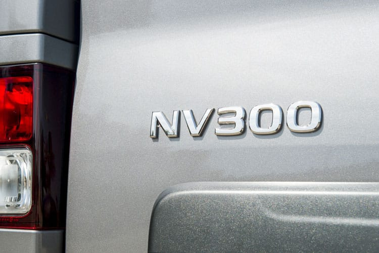 Nissan NV300 L2 30 M1 2.0 dCi FWD 120PS Acenta Combi Manual detail view